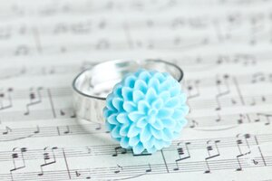 Blomring - ljusblå